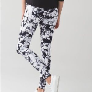 Lululemon wonder under high-rise Shibori pants 6